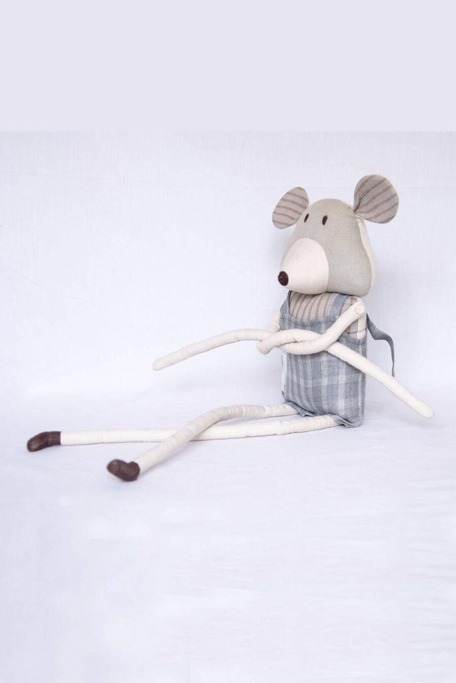 Anavila Akhu Mouse