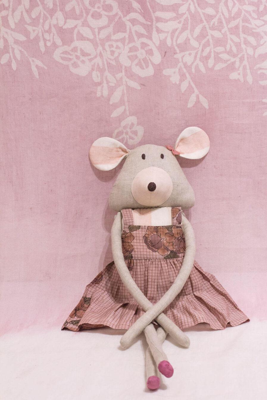 Anavila Akhu Mouse Female